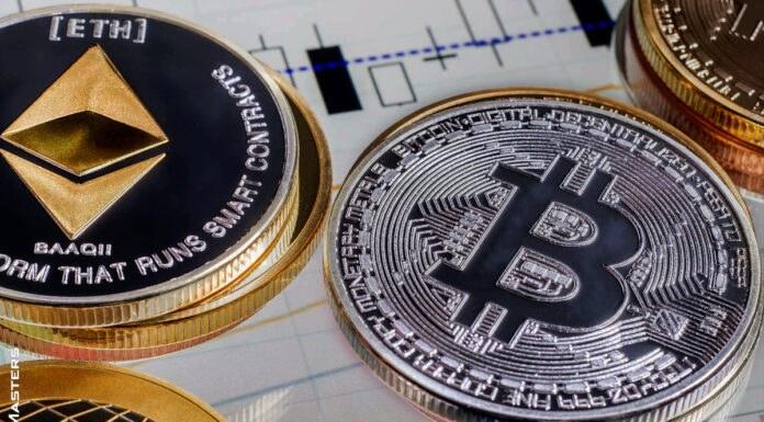 Bitcoin and Altcoins Correct Gains
